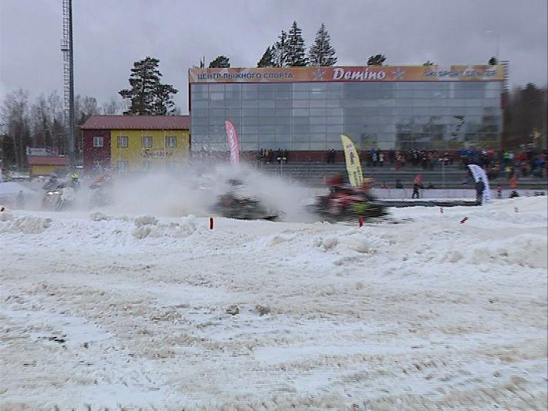 Команда спортклуба «Атлант» завоевала «золото» чемпионат России по кроссу на снегоходах
