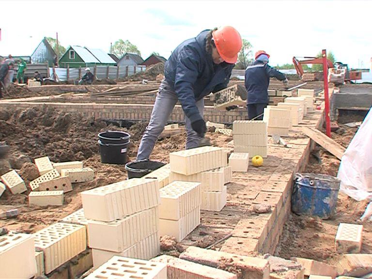 Строительство трех детских садов в Ярославле идет с отставанием от графика