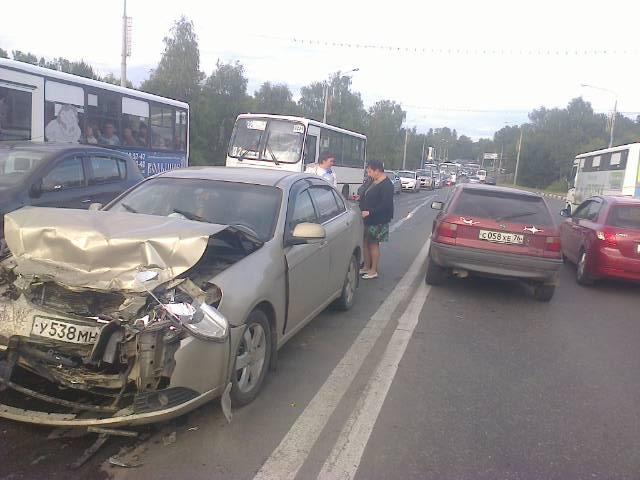 Таксист, спрвоцировавший смертельное ДТП на Октябрьском мосту, арестован