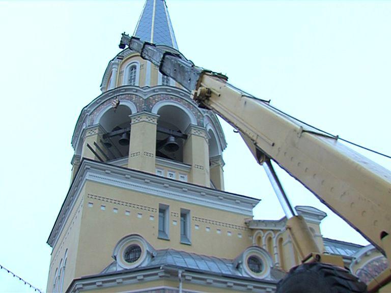 Храм Андрея Критского обрел три новых колокола