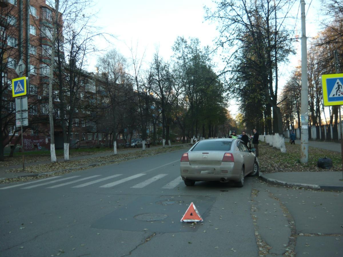 На перекрестке Угличской и Володарского под колеса «Митсубиси» попала 87-летняя пенсионерка