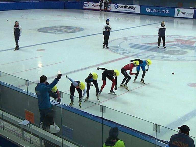Рыбинец Артем Козлов стал бронзовым призером первого этапа Кубка мира по шорт-треку