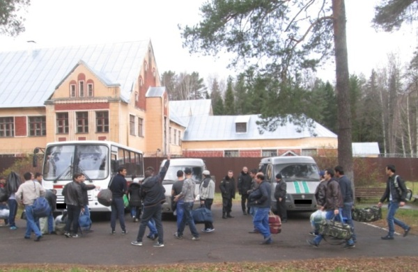 26 иностранцев депортировали на родину из Ярославской области