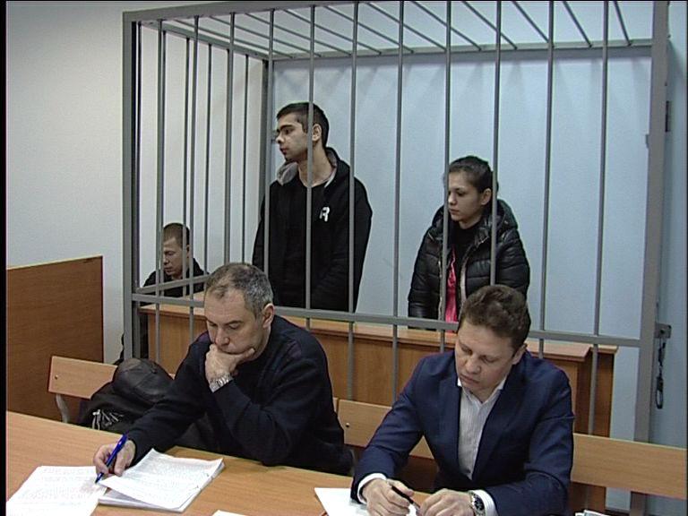 Дзержинский суд рассматривает дело криминальной парочки, которую обвиняют в серии разбойных нападений
