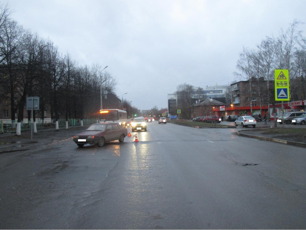 На Угличской водитель ВАЗа сбил 80-летнюю пенсионерку