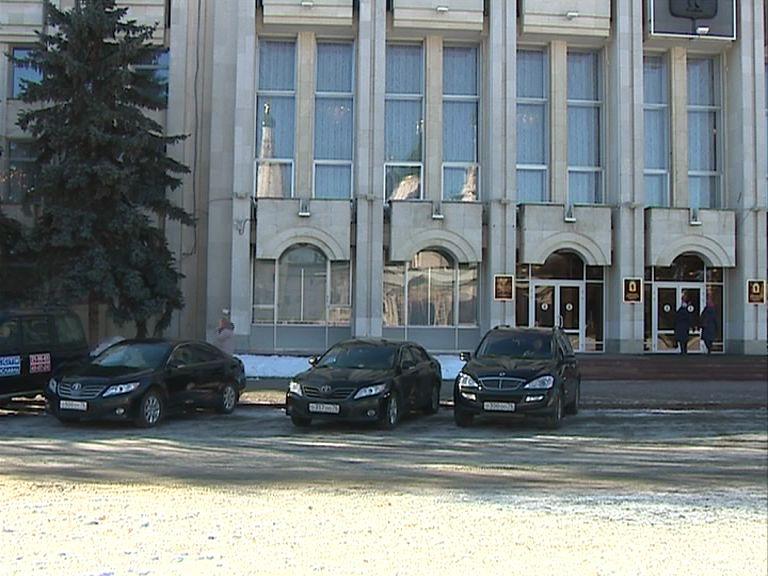 Автопарк транспортной службы правительства области сократится на 10%