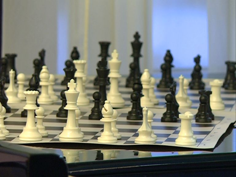 Юным шахматистам вручили подарки