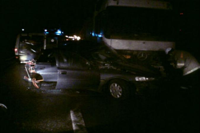 ДТП на трассе М-8 с бензовозом: погибли три человека
