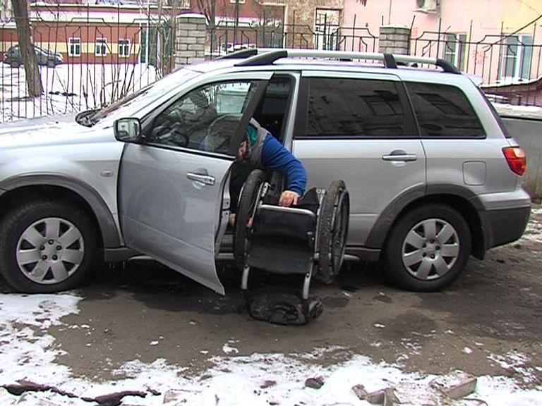 В Ярославле прошел рейд по парковкам для инвалидов