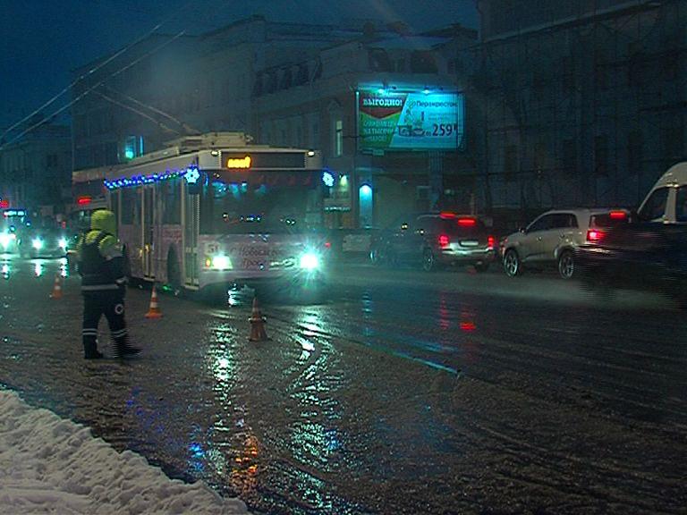 В новогоднюю ночь движение транспорта в центре Ярославля частично перекроют