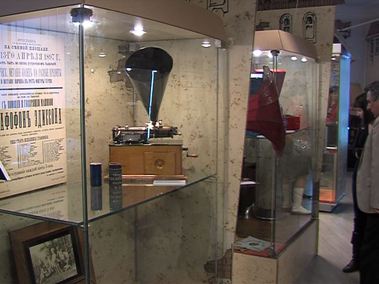 В музее-заповеднике открылась выставка «Машины времени»