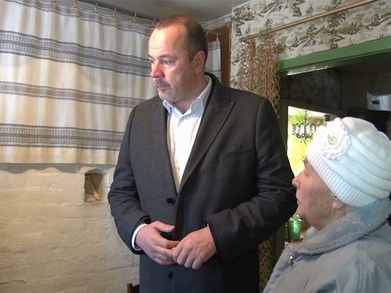 Областные власти отправились с инспекцией в деревню Даниловского района
