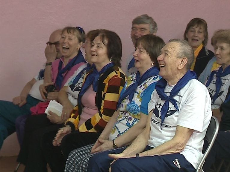 В Некрасовском районе начал работать многопрофильный лагерь для пожилых людей