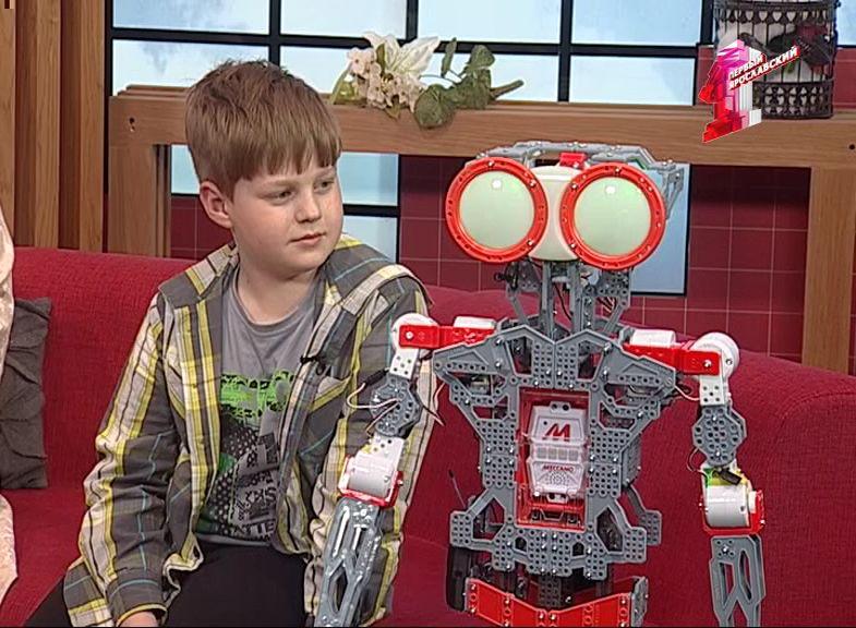 Девятилетний мальчик собрал робота