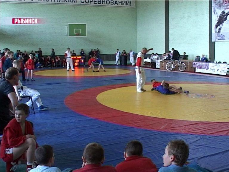 В Рыбинске прошел турнир по самбо