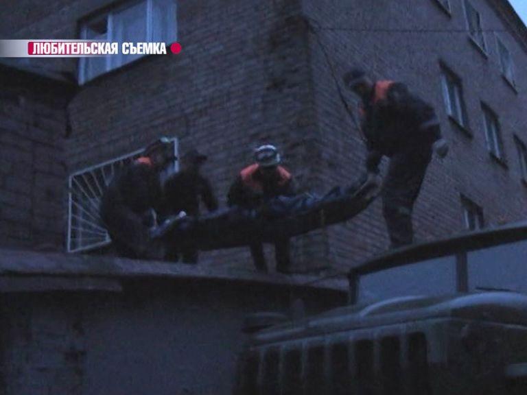 ЭКСКЛЮЗИВНЫЕ КАДРЫ: Призывник, выпавший из четвертого окна сборного призывного пункта, находится в коме