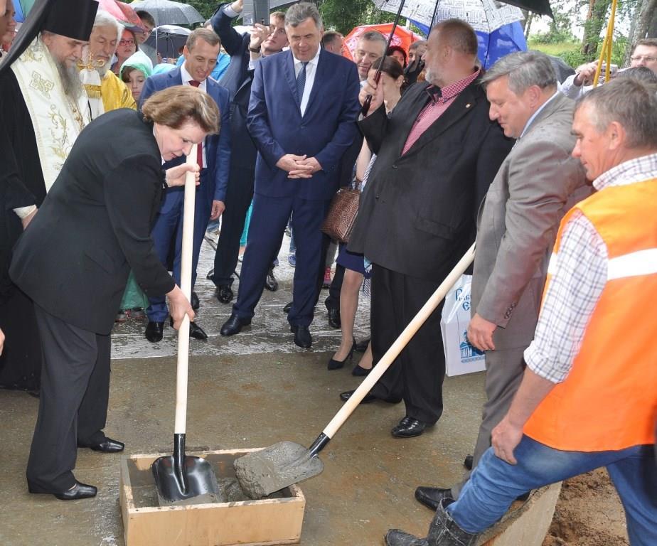 Сергей Ястребов принял участие в закладке первого камня на месте строительства нового храма в селе Никульское