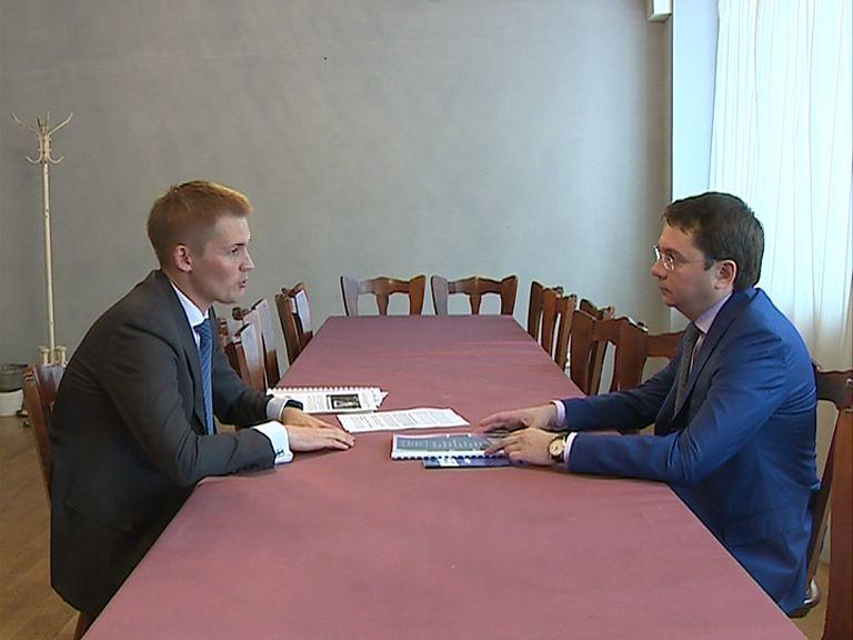 Александр Грибов представил доклад с предложениями по решению проблем и инициативами в изменении законодательства замминистру строительства и ЖКХ