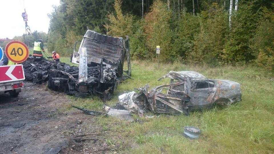 Страшная авария на трассе М-8: в «Фольксвагене» заживо сгорели два человека