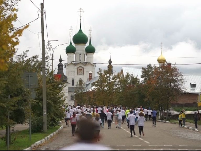 В Ростове прошел заключительный забег туристического проекта «Бегом по Золотому кольцу»