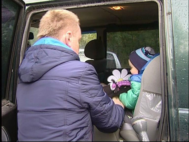 Сотрудники ГИБДД встречали водителей у ворот детских садов