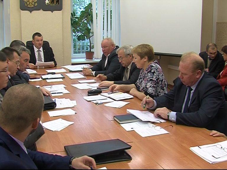 В Ярославской областной думе обсуждали шаги по развитию аграрного сектора