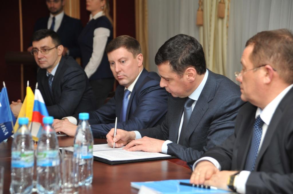 Дмитрий Миронов и руководитель «Балтики» Яцек Пастушка подписали соглашение о сотрудничестве