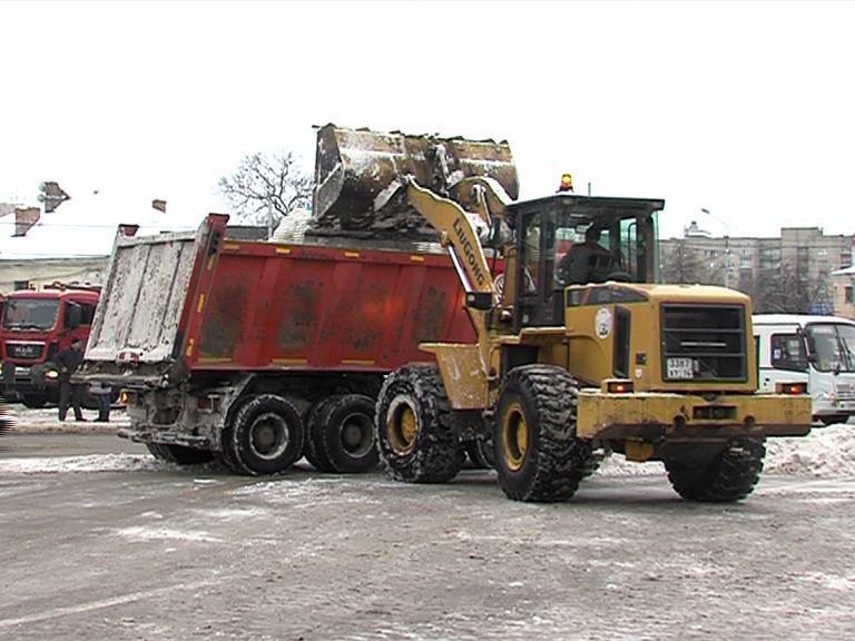 За выходные из Ярославля вывезли около 2000 тонн снега