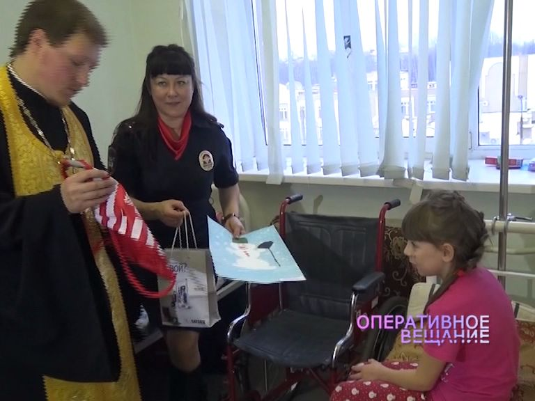 Сотрудники Госавтоинспекции посетили детскую больницу