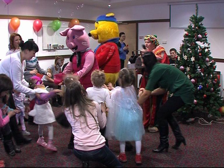 В Ярославле стартовала новогодние елки для детей с ограниченными возможностями здоровья