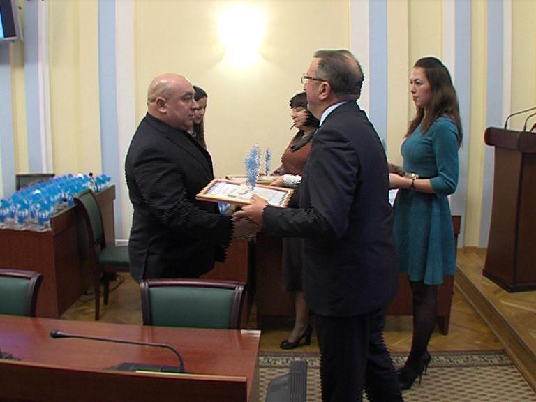 В правительстве наградили победителей конкурсов проектов социально-ориентированных НКО