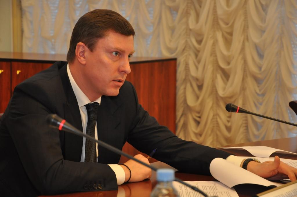 Дмитрий Степаненко прямо из зала заседания отправил и.о. директора департамента транспорта исполнять поручение в Рыбинский район