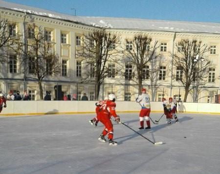 Победителем турнира по хоккею среди любительских команд