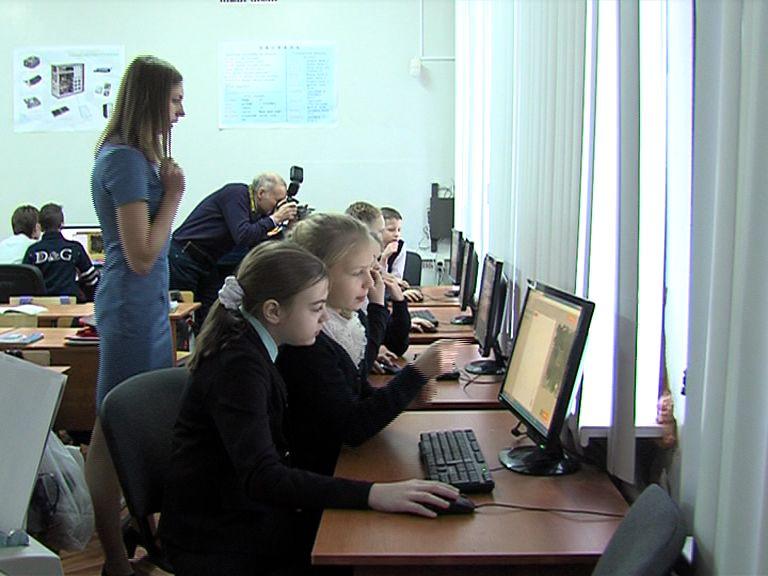 Из-за мороза в школах Ярославской области продлены каникулы