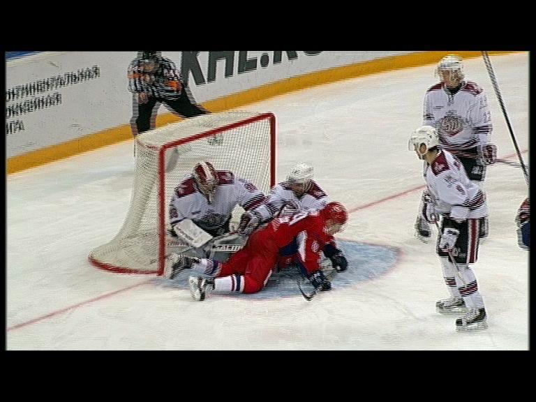 «Локомотив» в домашней серии стартовал с победы