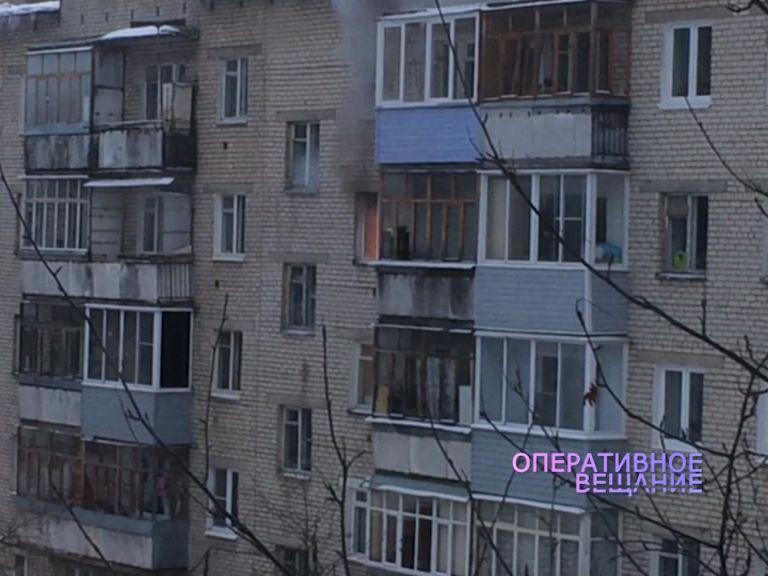На Балтийской вспыхнул огонь в кухне на четвертом этаже