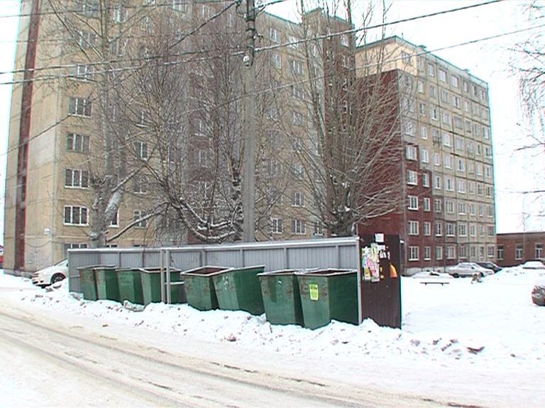 В Тутаеве по поручению Дмитрия Миронова идет ремонт в многоэтажке