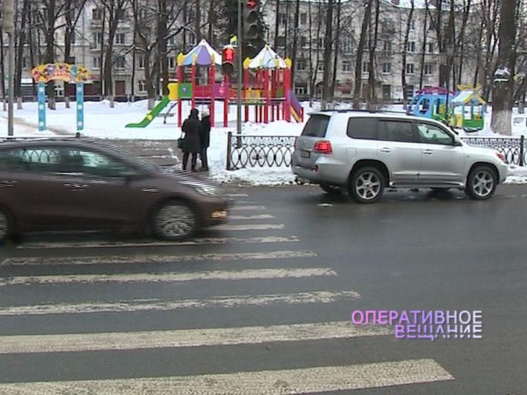 Москвич на внедорожнике сбил восьмилетнюю девочку на Ушинского