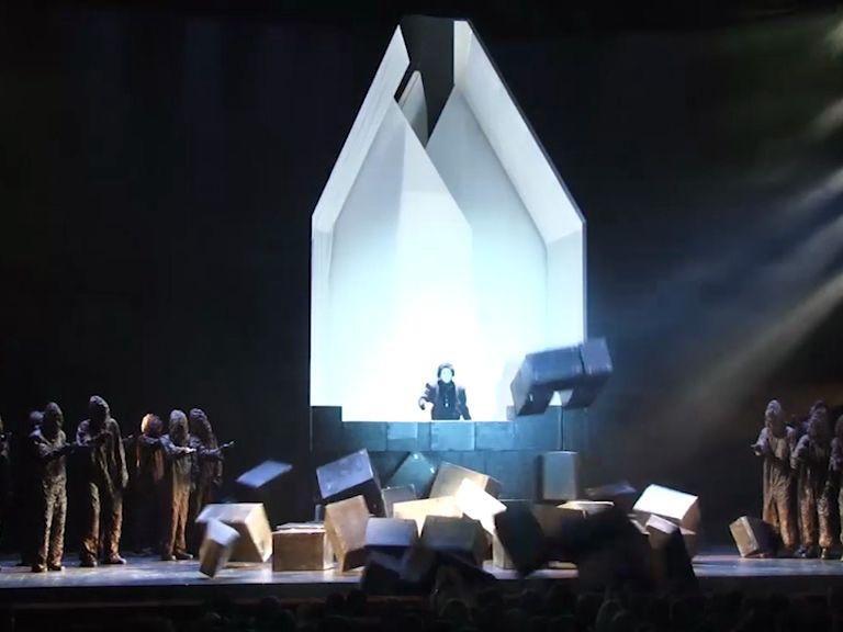 Репертуар Волковского театра пополнила неожиданная премьера и новинка сезона