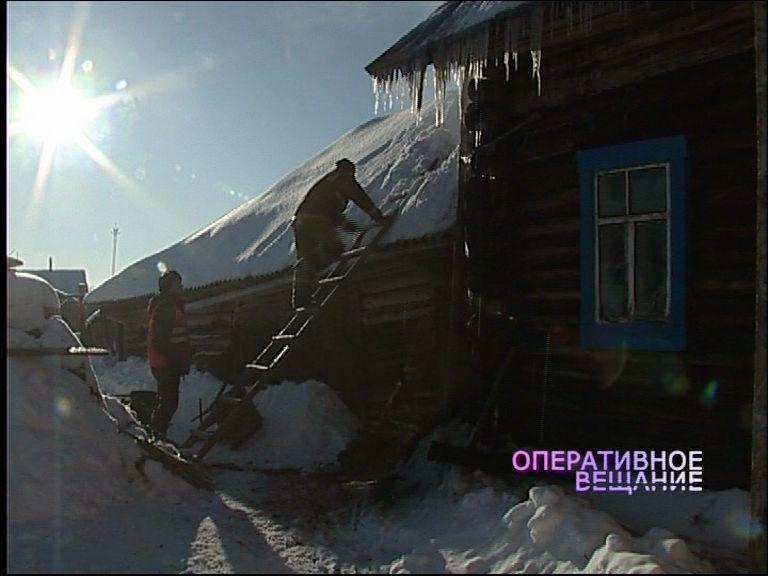 В деревне Полуэктово едва не сгорел деревянный дом