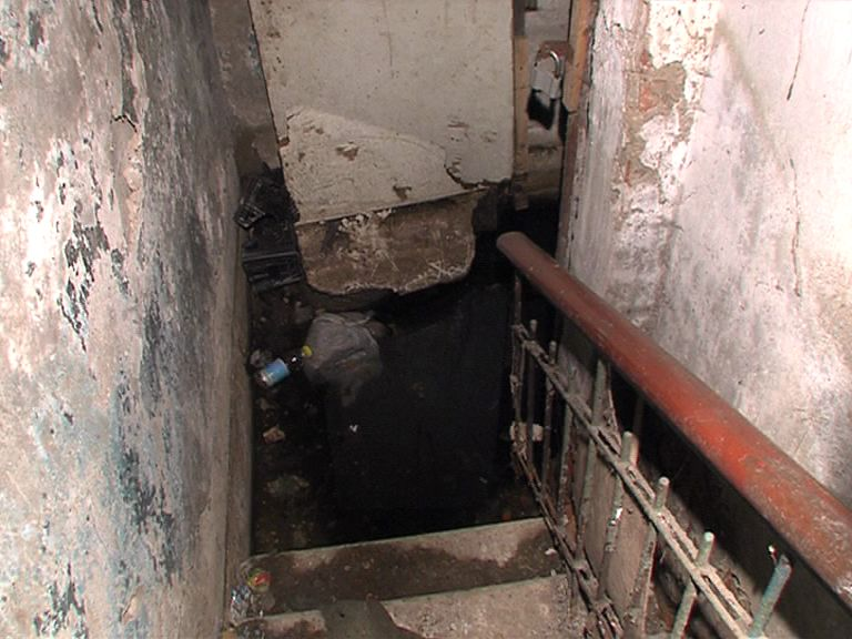 Жильцы одного из домов в Рыбинске уже несколько лет не могут добиться ремонта своего дома
