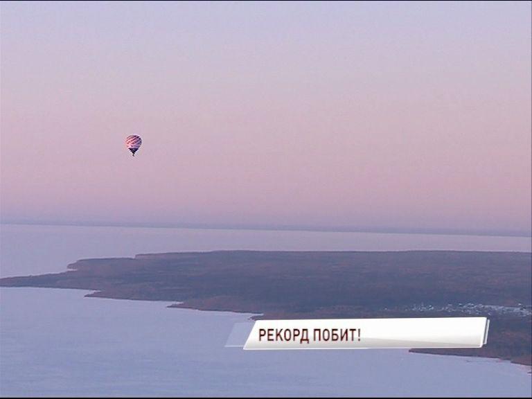 Воздушный шар с Федором Конюховым и Иваном Меняйло приземлится в течение часа [включение из Саратовской области]