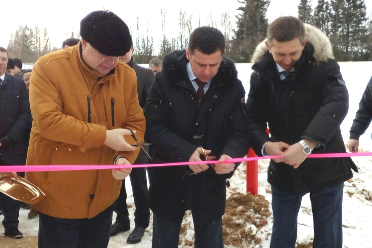 Дмитрий Миронов принял участие в церемонии пуска газа в поселке Бурмакино