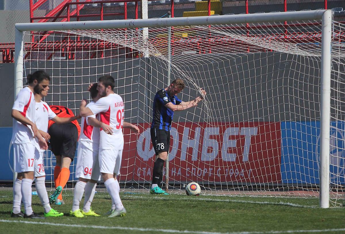 «Шинник» забил три мяча в ворота «Спартака», но все же проиграл