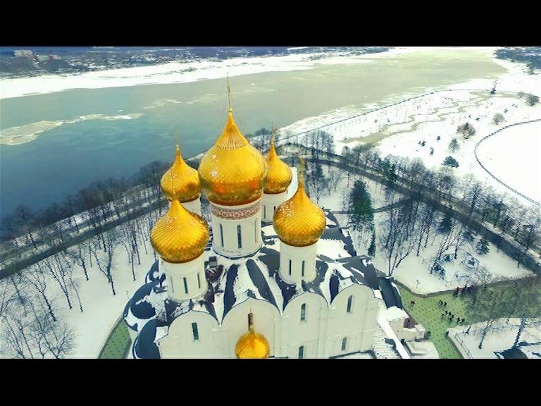 ВИДЕО: Главная Масленица страны в Ярославле: рекорды, блины, кулачные бои и гулянья