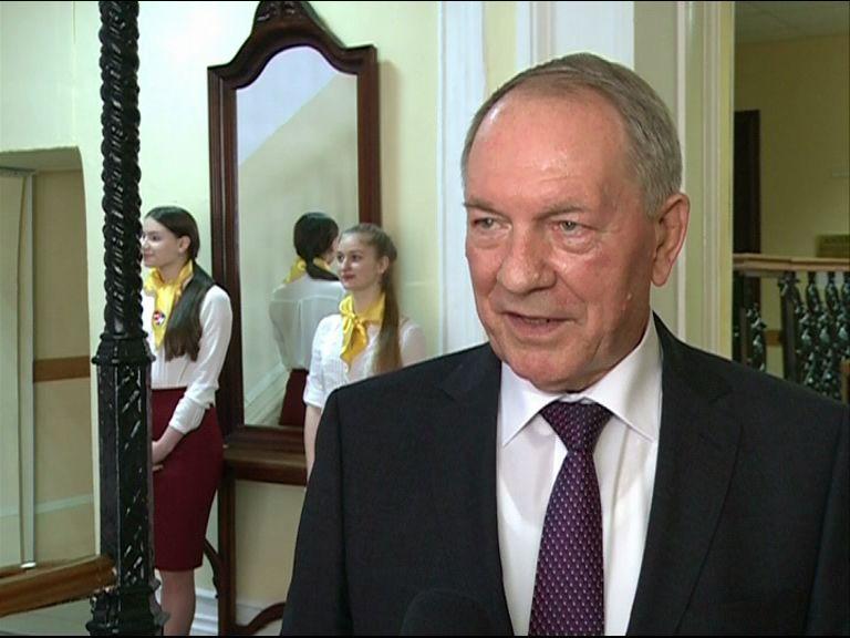 Президент ярославского медуниверситета Юрий Новиков отмечает 80-летний юбилей