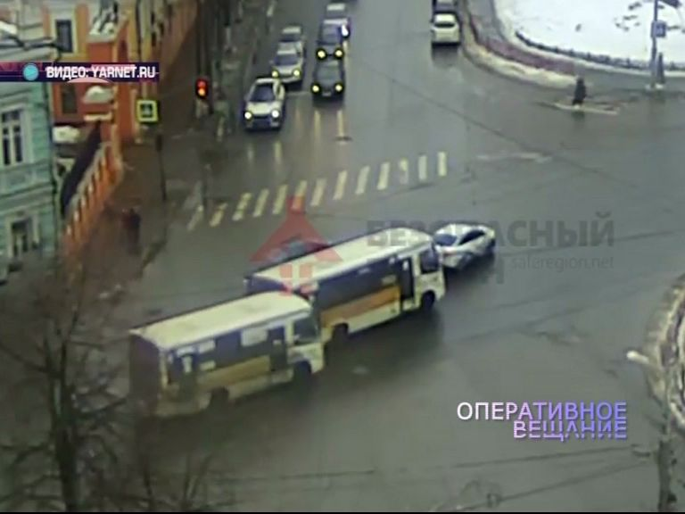 Сразу две аварии произошли на проспекте Октября
