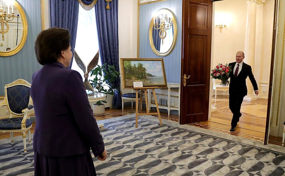 Владимир Путин поздравил Валентину Терешкову с днем рождения