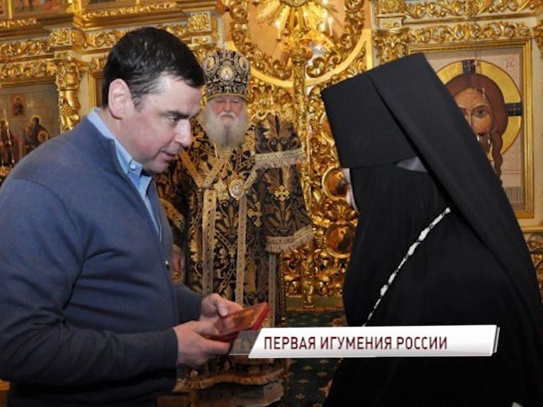 Настоятельница Свято-Введенского Толгского монастыря Варвара отметила юбилей