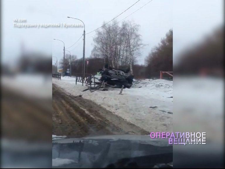 У кладбища в Чурилково перевернулся водитель на «Рено»